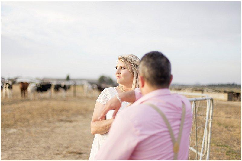 DEngagement Photo Ideas: Farm Engagement Shoot