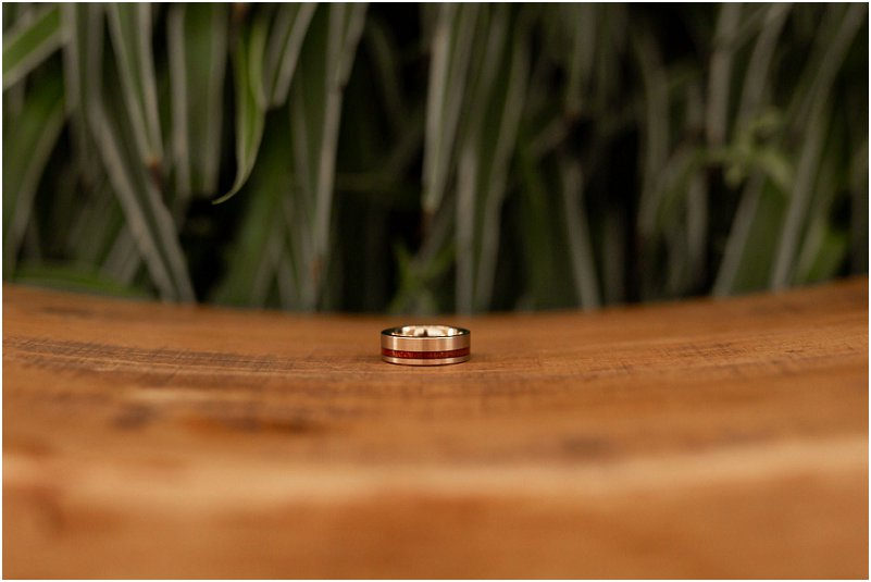 Rosegold wedding ring with touch of wood