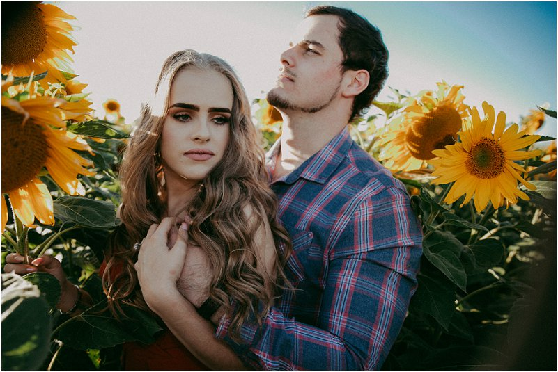 sunflower engagement photos
