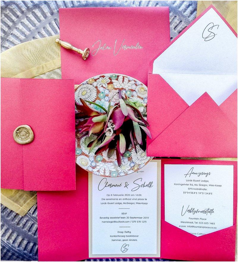 Boergondiëse elegante trou uitnodiging