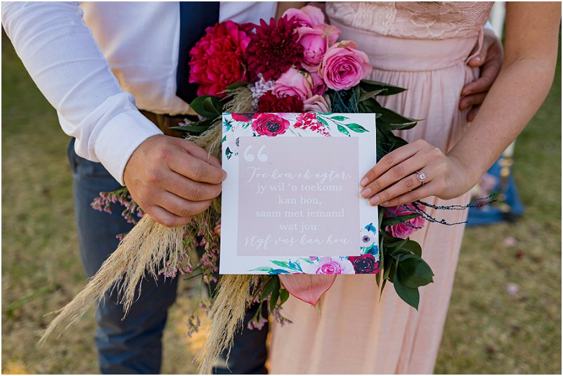 Cute Engagement Photo Ideas and Poses: Find Inspiration for Your Own Shoot!