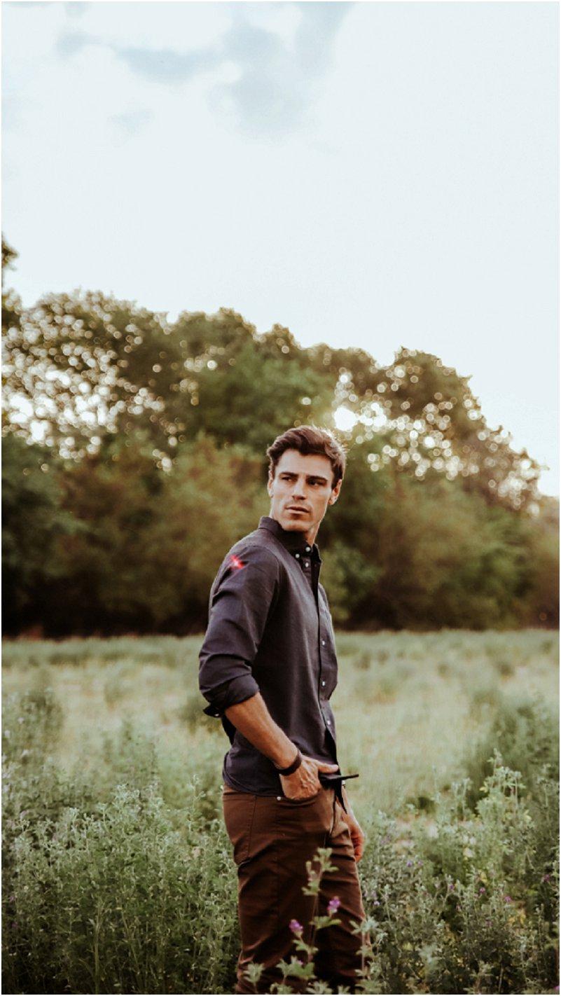 poses for men for engagement shoot