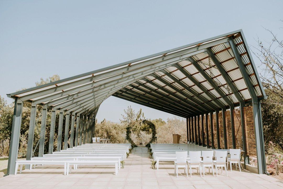 simplistic classic wedding