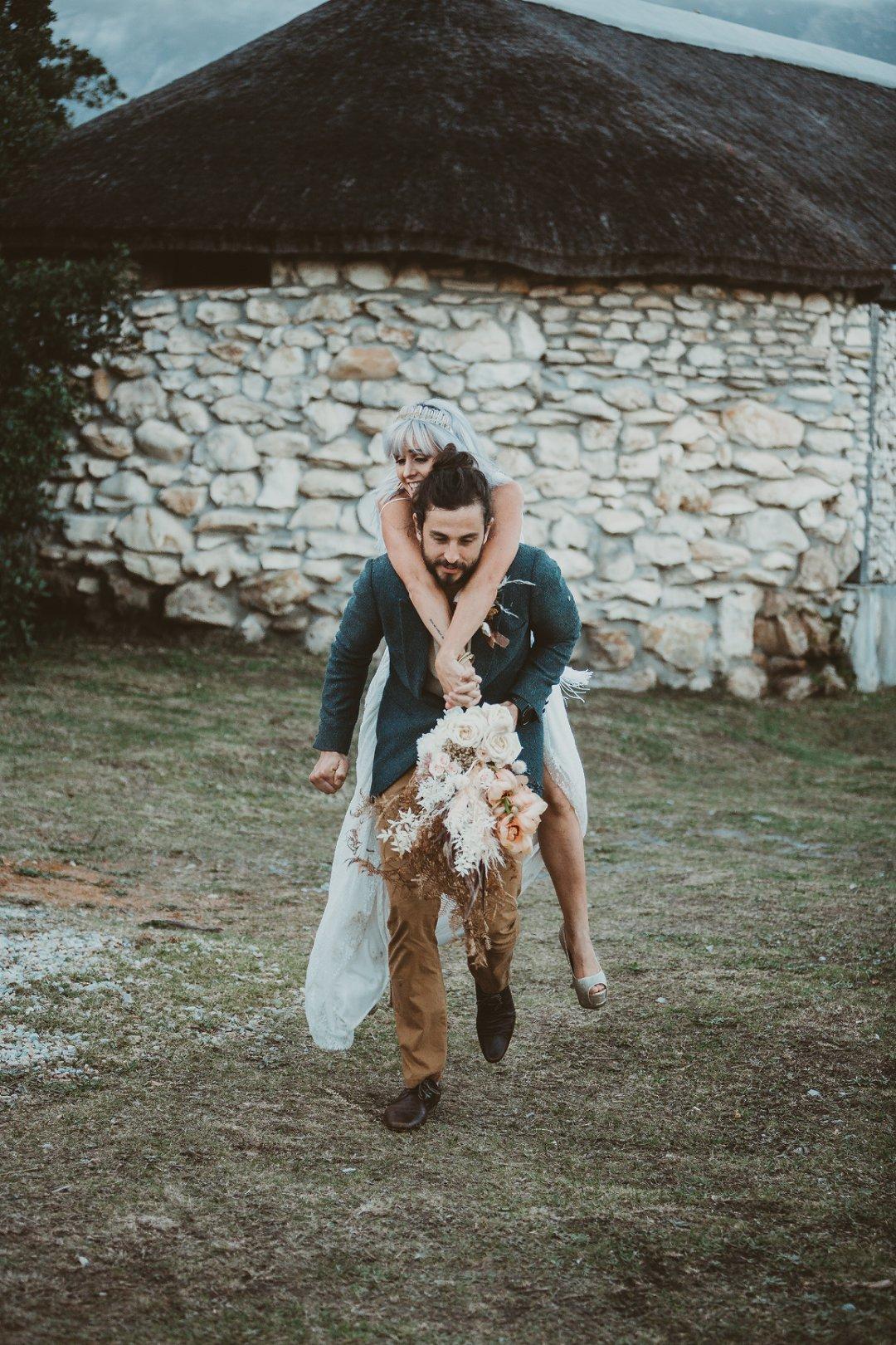 Intimate wedding inspiration at Mosaic Lagoon Lodge