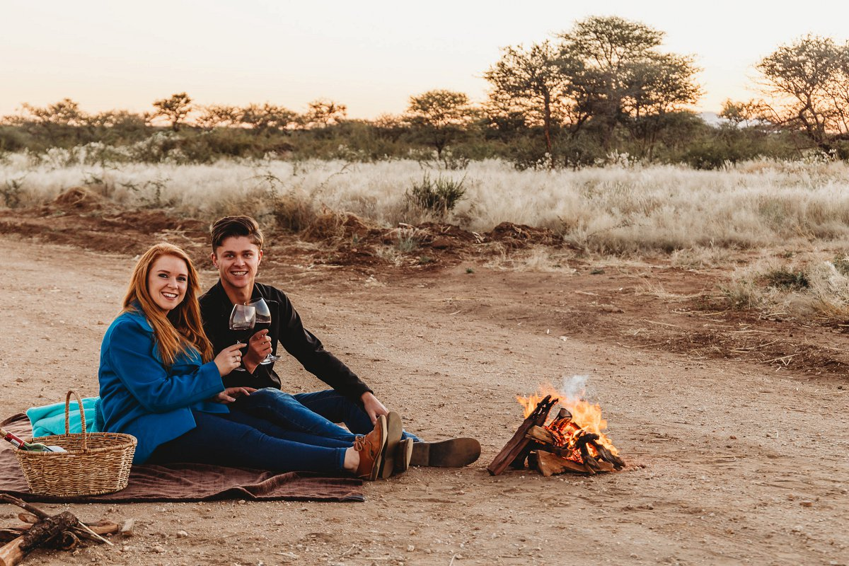 couple photoshoot on a dirt road