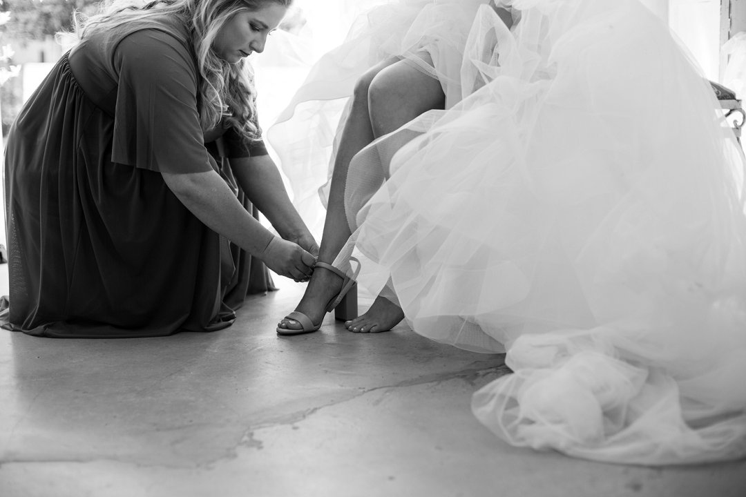 bride getting ready photography