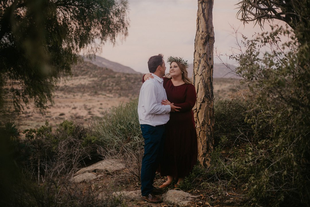 outdoorsy engagement photos