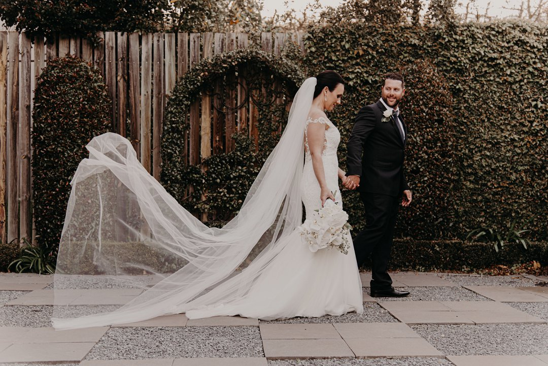 stylish wedding photos